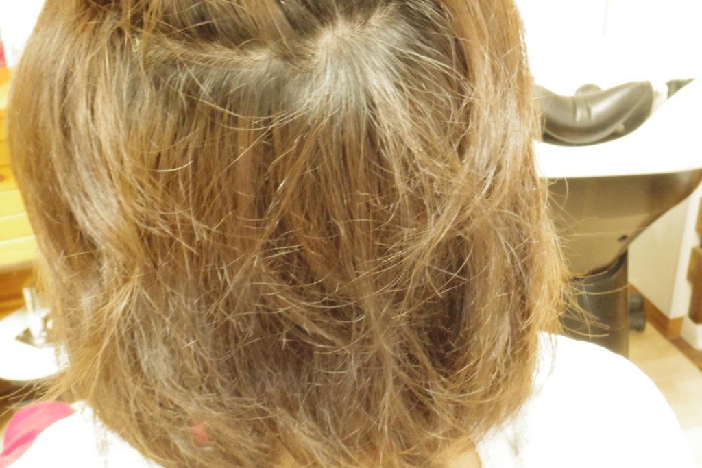 縮毛矯正前 うねる髪の毛